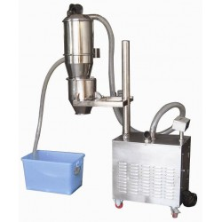 Vacuum conveyor for powder